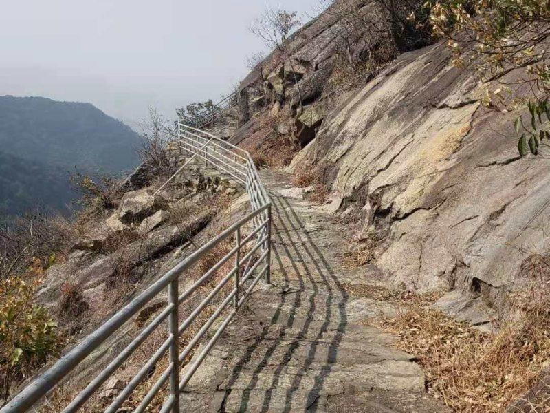Yuanshan is a little-known hidden Shenzhen hike location in Longgang district. Let's Exploring this Shenzhen Hidden hiking Gem together.